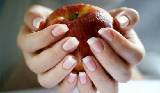 خوراکیهایی برای داشتن ناخنهای درخشان و قوی