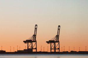 ادامه فعالیت های بنادر و دریانوردی در زمان تحریم ها